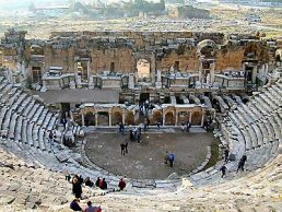 Hierapolis_theater_with_scenae_frons,_tb_n010301
