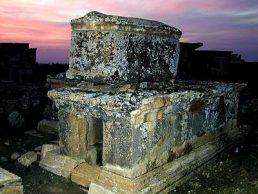 Hierapolis_necropolis_sarcophagi,_tb_n010301